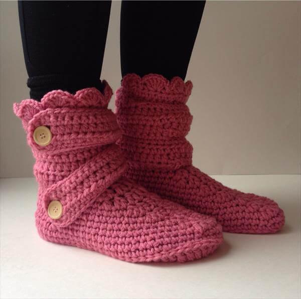 Free Crochet Pattern Boot Slippers : 10 DIY Free Patterns for Crochet Slipper Boots 101 Crochet