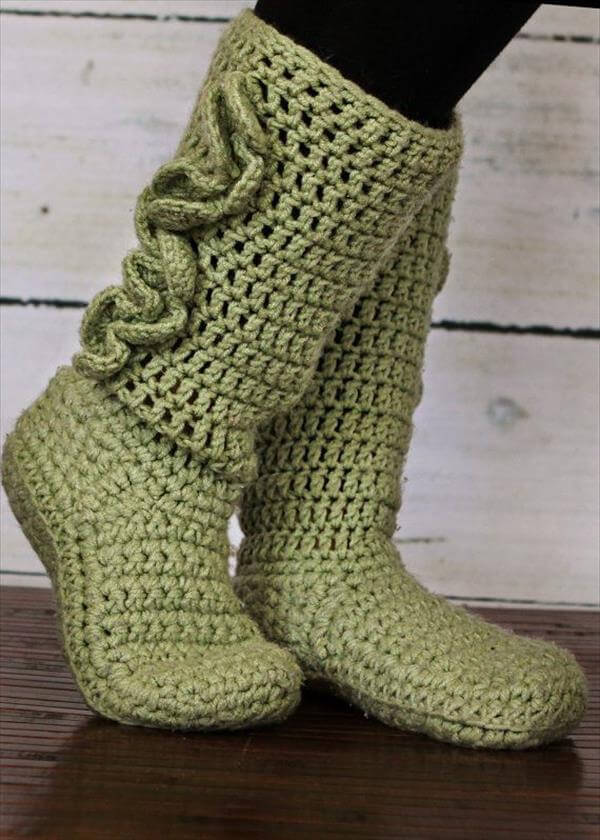 diy green crochet slipper boots