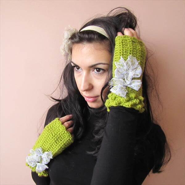 apple green crochet fingerless gloves