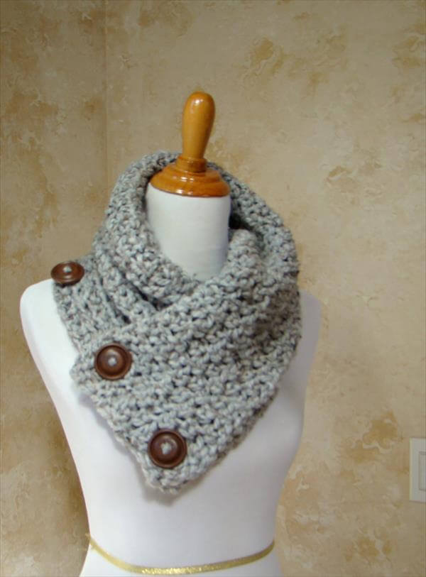Free Crochet Pattern Button Scarf : 3 Button Crochet Scarf Pattern 101 Crochet