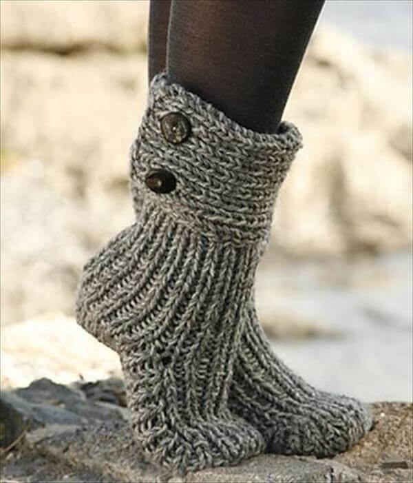 Free Knitting Pattern For Slipper Socks : 10 DIY Free Patterns for Crochet Slipper Boots 101 Crochet