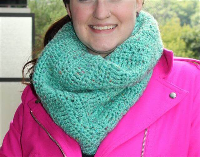 Light Color Crochet Infinity Scarf