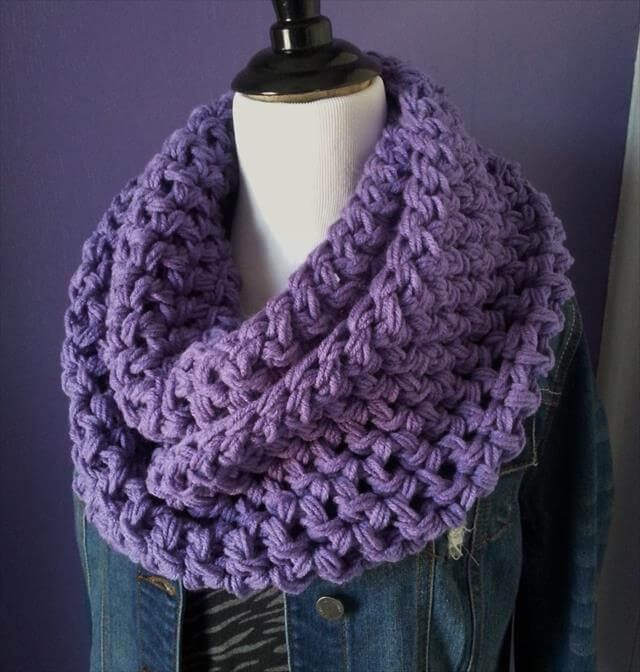 Crochet Pattern For Infinity Scarf With Buttons : 10 Crochet Infinity Scarf Patterns 101 Crochet