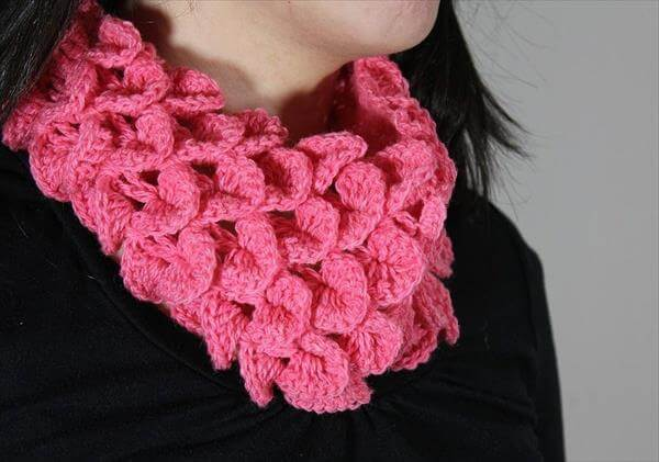 easy crochet crocodile stitch cowl pattern