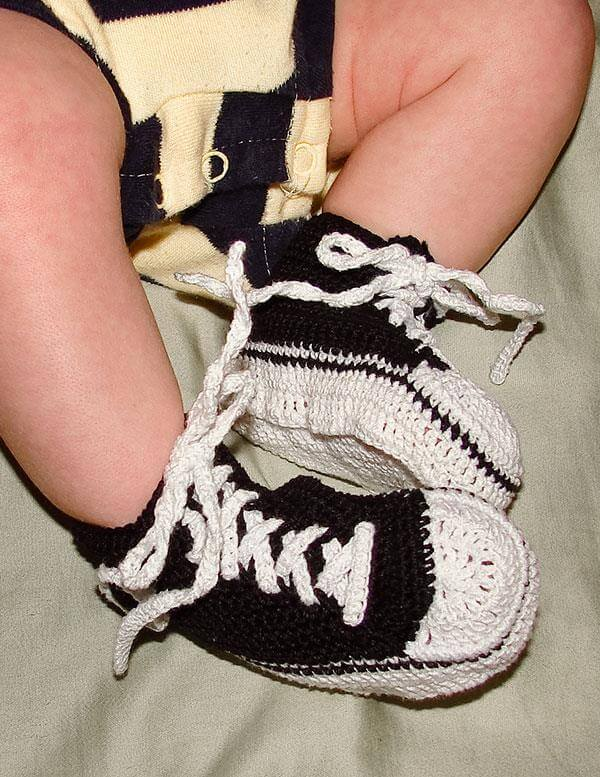 Crochet Pattern Baby Tennis Shoes : Free Crochet Baby Converse Pattern 101 Crochet