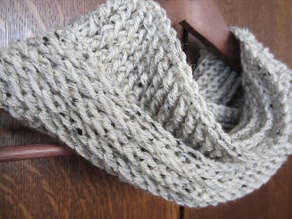 Crochet Baby Cowl Pattern Free : 10 Free Crochet Cowl Patterns - Fast & Easy 101 Crochet