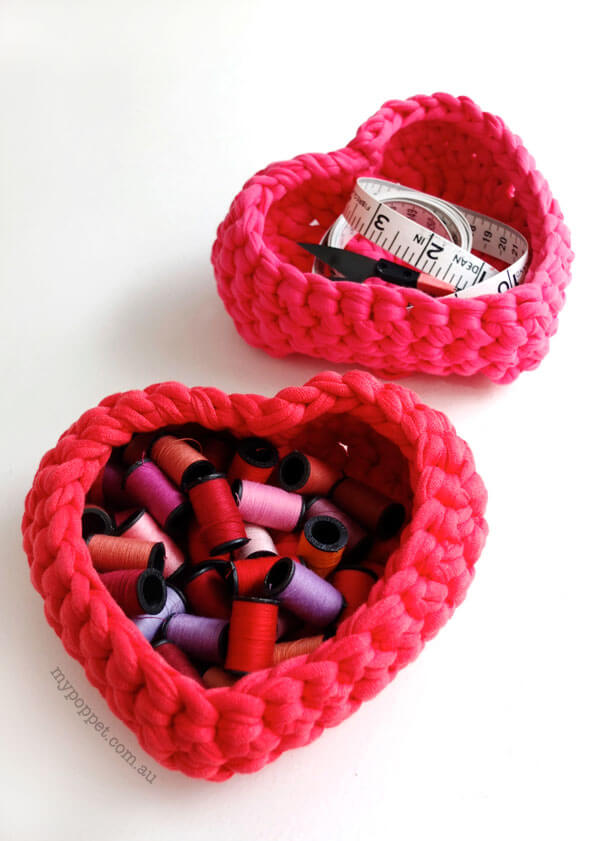 crochet free heart-shaped storage basket